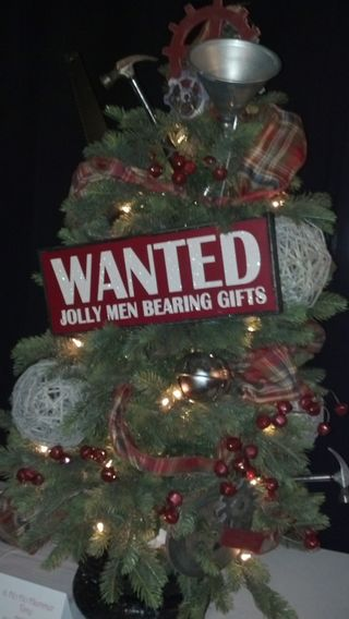 Men christmas tree